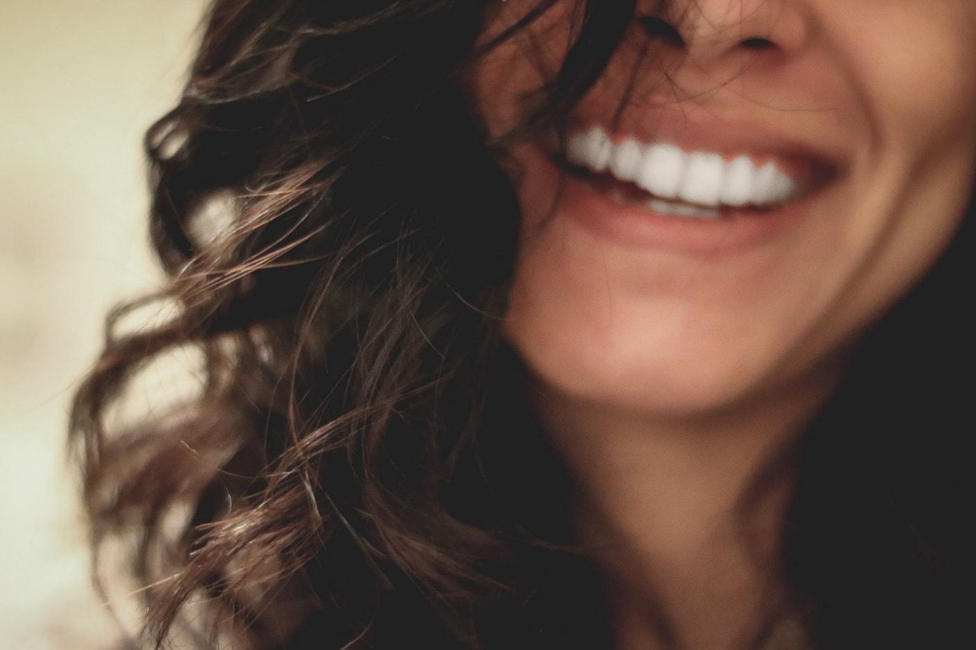 wie werde ich glücklich - authentisches Lächeln